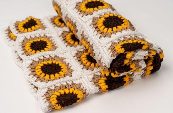 Covered Sunflower in crochet